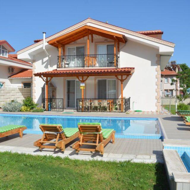 River Green Villa